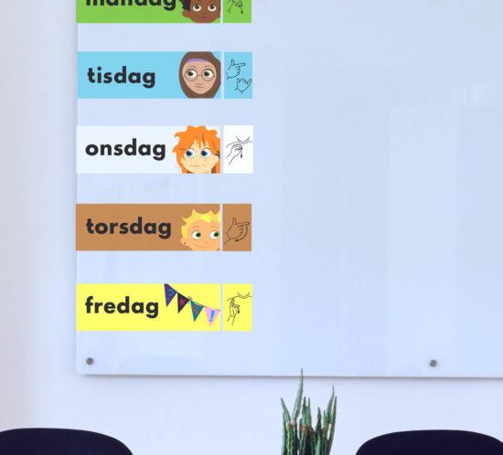 Veckodagarna på whitboardtavla med teckenspråk, måndag, tisdag, onsdag, torsdag och fredag